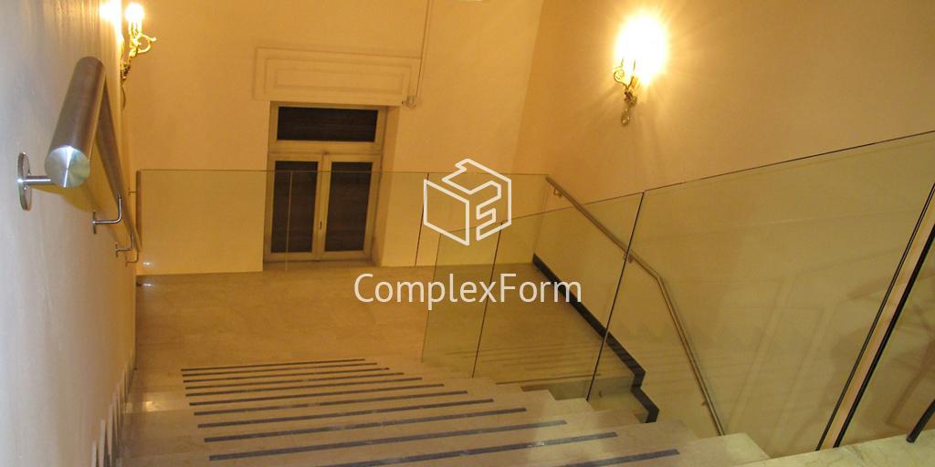 Ограждения для лестницы из стекла на точечном креплении